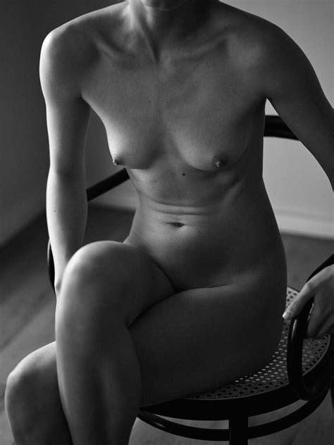 Joyful Drake Nude