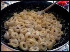 Ricetta Tortellini Alla Panna E Noce Moscata