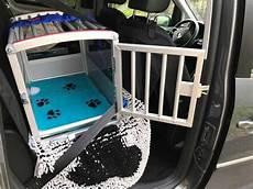 hundetransport auto rückbank hunde sicher im auto transportieren garantiert sicher