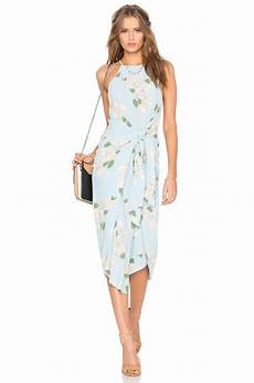 going to a summer wedding here s the outfit inspiration you need beach wedding guest attire
