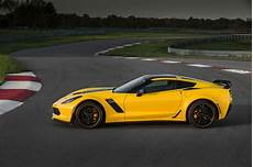 Corvette C7 Z06 - vues magazine chevrolet introduces 2016