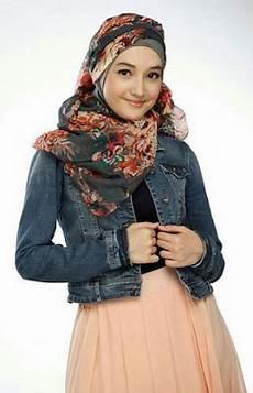 20 Model Busana Muslim Versi Jilbab In Modis Untuk