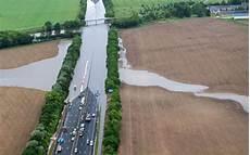 L Autoroute A10 Est Rouverte 224 La Circulation Au Nord D