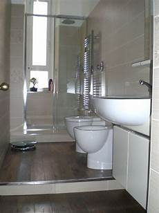 interno bagno come far bello il gradino in bagno bagno bathroom