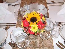 ideas for inexpensive wedding centerpieces funny wedding