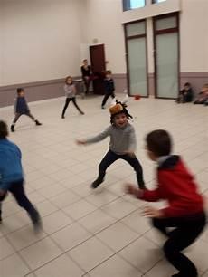 sport jeux collectifs jeux de poursuite ecole priv 233 e melaine
