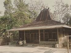 Rumah Adat Jawa Tengah Beserta Gambar Dan Penjelasannya