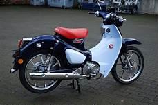 details zum mietmotorrad honda cub c 125 des