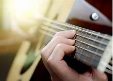 Beginners Guide To Guitar Strings