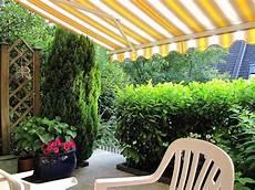 Sichtschutz Für Kleine Gärten - das terrassendach als 252 berdachter freisitz sonnenschutz