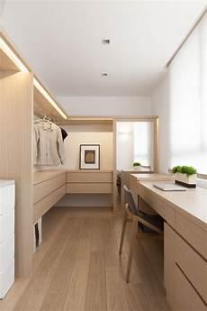 tisch schlafzimmer der tisch indretning in 2019 begehbarer kleiderschrank