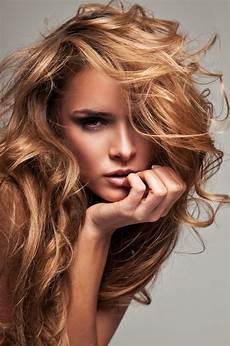 couleur de cheveux blond caramel choosing a shade of hair color primpin ain t easy
