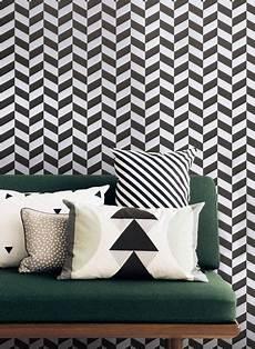 Tapete Schwarz Weiß Muster - schwarz wei 223 muster tapete angle ferm living hygge