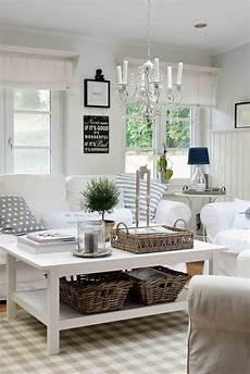 Nordisch Wohnen Möbel - wei 223 e sofa mit hussen und dekoration in naturt 246 nen