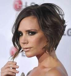 modèle coupe de cheveux femme piega mossa su capelli corti