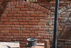 alte ziegelmauer sanieren mauerwerk sanierung klosterformatziegel 30x14x8 5cm b