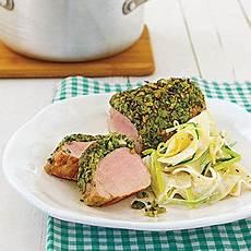 schweinefilet mit kruste schweinefilet im b 228 rlauchmantel rezept essen food