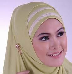 Cara Memakai Jilbab Untuk Wajah Bulat 2013 Berryhs