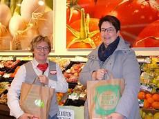 Deggendorf De Rewe Kunden Spenden F 252 R Die Tafeln