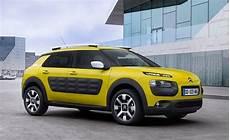 la voiture qui consomme le moins 10 voitures qui consomment moins de 4 litres 100 km vivre demain