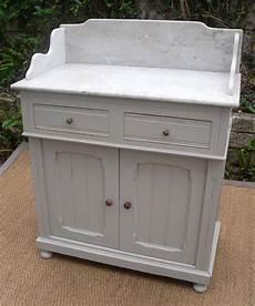 Meuble Ancien Pour La Toilette Avec Dessus En Marbre Blanc