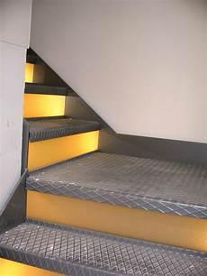 treppe mit geländer metallbau tangemann metallbau