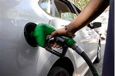 Auto Mit Gas - petrol now cheaper by rs 3 litre autocar india