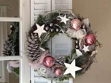 Türkranz Weihnachten Modern - t 252 rkranz beschneite filzrosen weihnachtskranz
