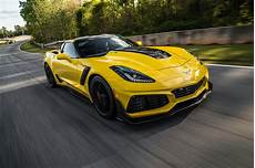2019 corvettes watch the 2019 chevrolet corvette zr1 hit 212 mph motor trend