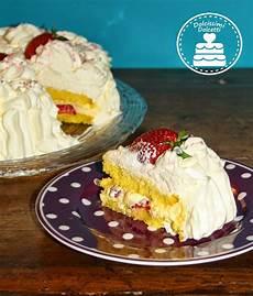torta con crema pasticcera e panna montata dolcissimi dolcetti torta con fragole crema chantilly e panna montata