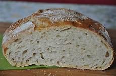 pane fatto in casa senza lievito pane senza impasto cotto in pentola ricetta le nuove mamme