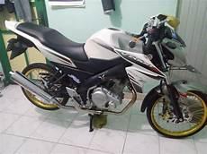 New Vixion Jari Jari by Modifikasi Yamaha Vixion Dirubah Menjadi Yzf R15