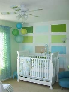 kinderzimmer wandgestaltung jungs babyzimmer dekorieren braun gr 252 n farbkombination