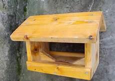 construction cabane oiseau
