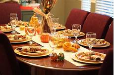 Decorating Ideas For Thanksgiving by The Apron Gal Thanksgiving Table Decorating Ideas