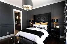 Bedroom Ideas Grey And Black by 15 Refined Decorating Ideas In Glittering Black And Gold