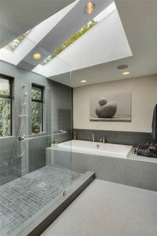velux salle de bain la fen 234 tre de toit en 65 jolies images