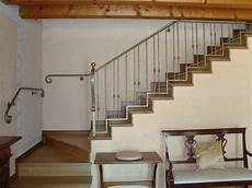 corrimano in ferro battuto per scale interne ringhiere parapetti e corrimano in ferro battuto