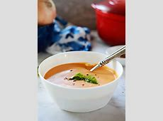 creamy tomato soup with herbs_image