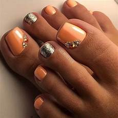 pretty toe nail art design idea peach nail polish gold