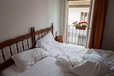 Bett Richtig Machen - schlafzimmer putzen und bett reinigen putzen de