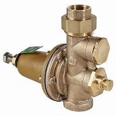 regulateur de pression d eau 3 4 quot x 3 4 quot brass pressure reducing valve rona