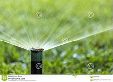 arrosage jardin automatique pelouse de arrosage de jet de syst 232 me d irrigation de