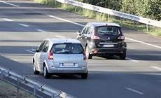 poids scenic 3 comportement tenue de route scenic 3 type d amortissement
