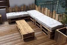 salon de jardin en palette en bois table basse 233 tag 232 re salon de jardin ou canap 233 les
