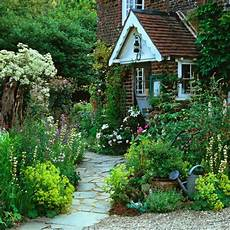 Vorgarten Gestalten 33 Bilder Und Gartenideen