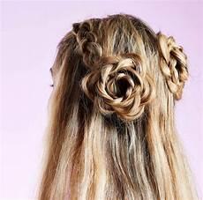 Flower Hairstyles in bloom 10 flower hairstyles we re gushing now