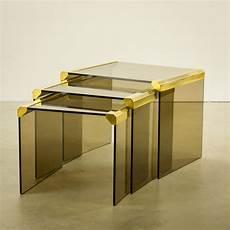 table verre design italien tables gigognes t35 en verre fum 233 et laiton pierangelo