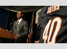 gale sayers football player