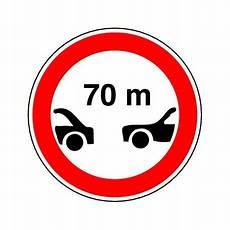 interdiction de circuler interdiction aux vehicules de circuler sans maintenir